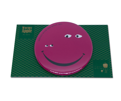 【新色】WORMY APPLEシリーズ「WORMY APPLE」 「SMILE」54mm缶バッチ