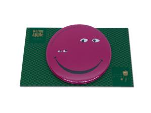 【新色】WORMY APPLEシリーズ「WORMY APPLE」 「SMILE」54mm缶バッチ